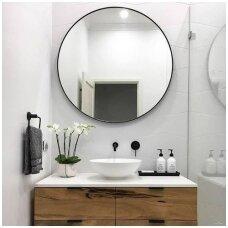 apvalus-veidrodis-su-juodu-remu-1